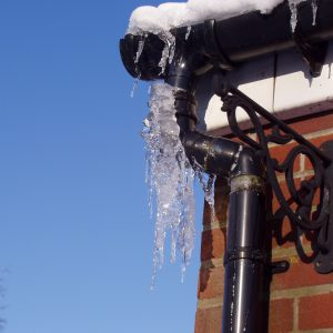 Top tips for preventing and thawing frozen pipes