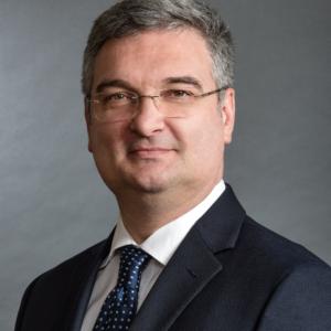 Milos R. Popovic, PhD, P.Eng., wins the Engineering Medal – Entrepreneurship at the 2019 OPEA Gala