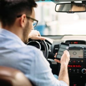 Many Canadians see distracted drivers, but few acknowledge their own distractions